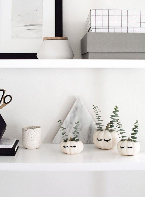 DIY-cute-faced-pumpkins-succulent-planters