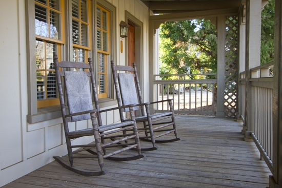 MeadowFrontPorch