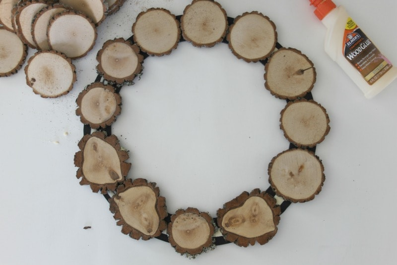 DIY Wood Wreath From This Year's Christmas Tree