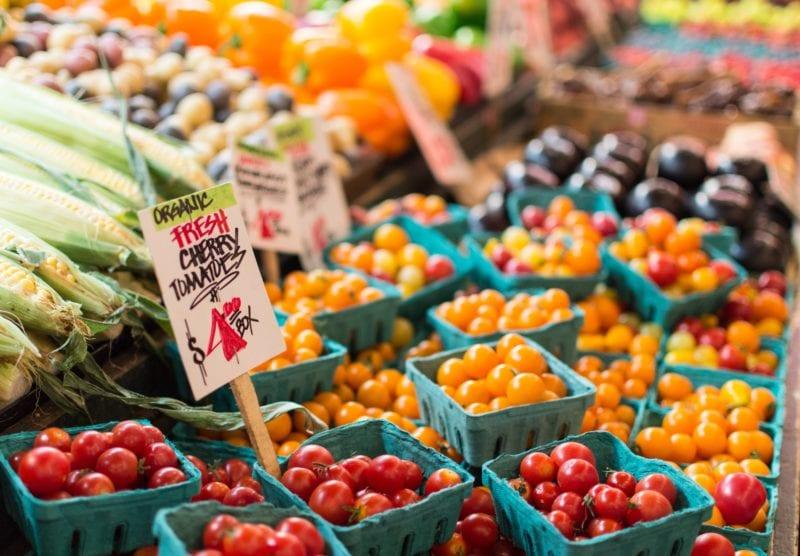 Eating With The Seasons + A Seasonal Produce Chart