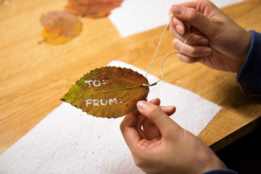 How to Make Gift Tags Out of Autumn Leaves 6